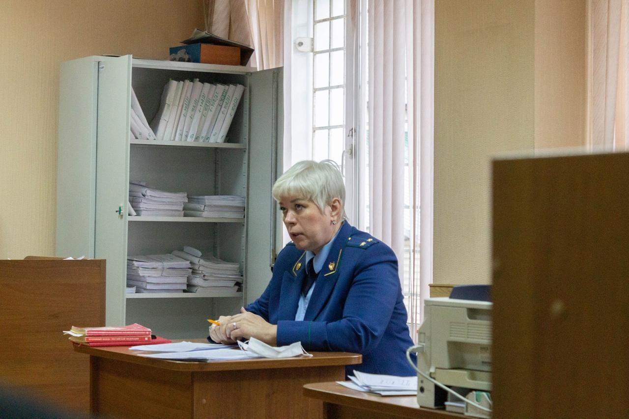 Фото «Убийца на воле, а мы сидим»: в Новосибирске начали судить друзей погибшего в результате стрельбы в Мошково Векила Абдуллаева 5