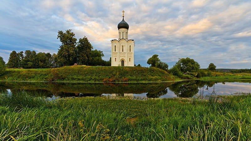 Фото Покров Пресвятой Богородицы – 2021: история, традиции и народные приметы на 14 октября 3
