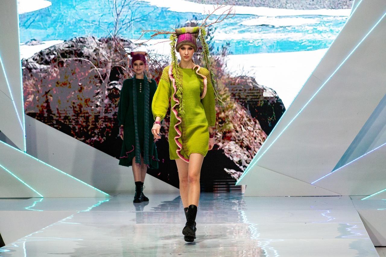 Фото Купальник под шубой: что показали модели на конкурсе дизайнеров «Сибирский кутюрье» в Новосибирске 6