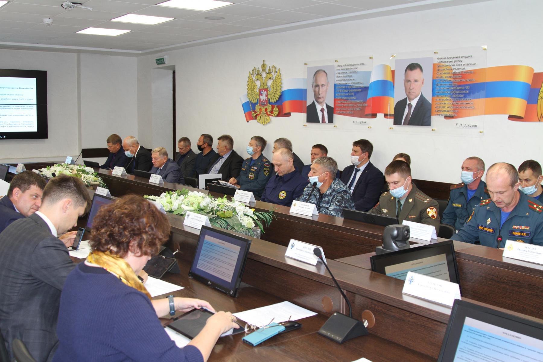 Фото Учения по ликвидации разлива нефти стартовали в Новосибирске 4