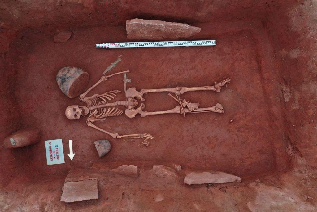 Фото В Хакасии археологи нашли нетронутый скифский могильник 3