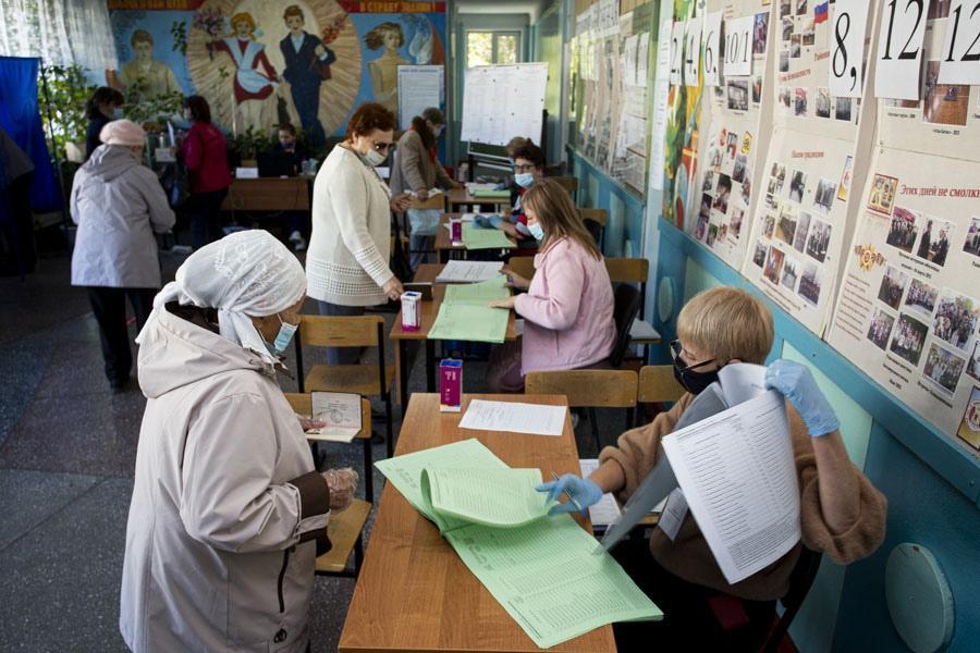 Фото Выборы в заксобрание Новосибирской области: проходят шесть партий 2