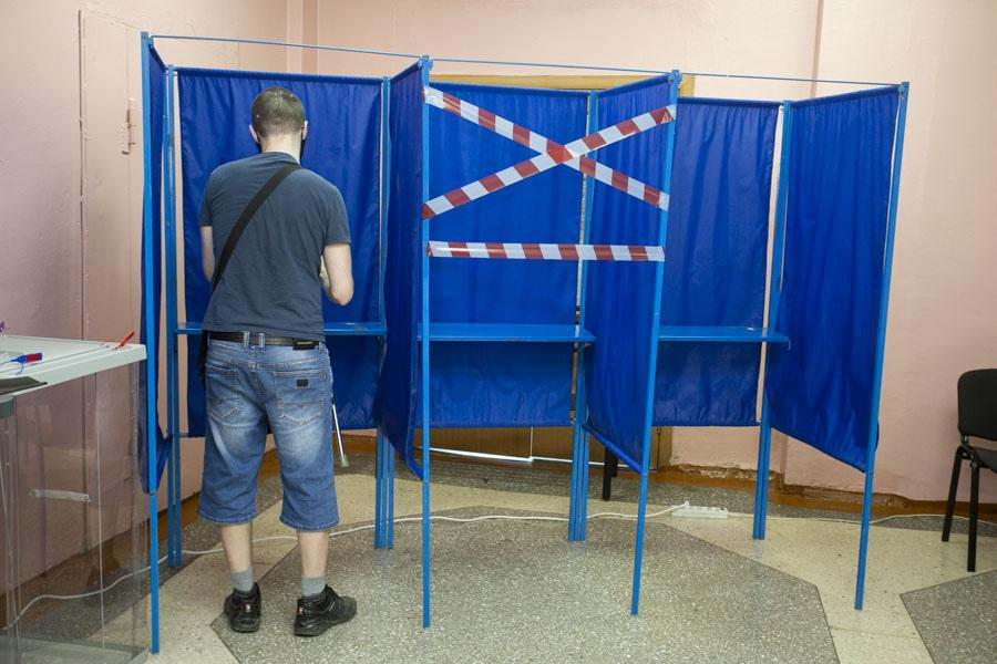 фото Поставили галочку: новосибирцы голосуют на выборах депутатов горсовета и заксобрания 4
