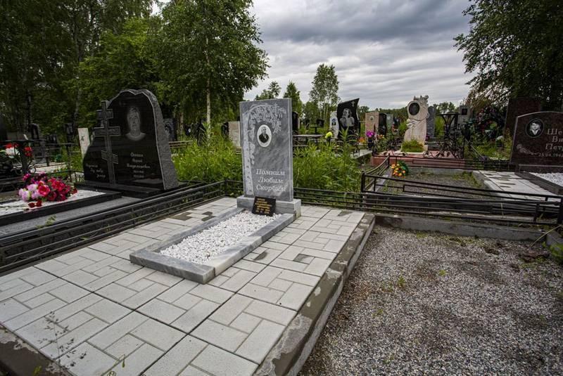 Фото Передел земли: УФАС запретит торговать венками и надгробиями на кладбищах Новосибирска 4