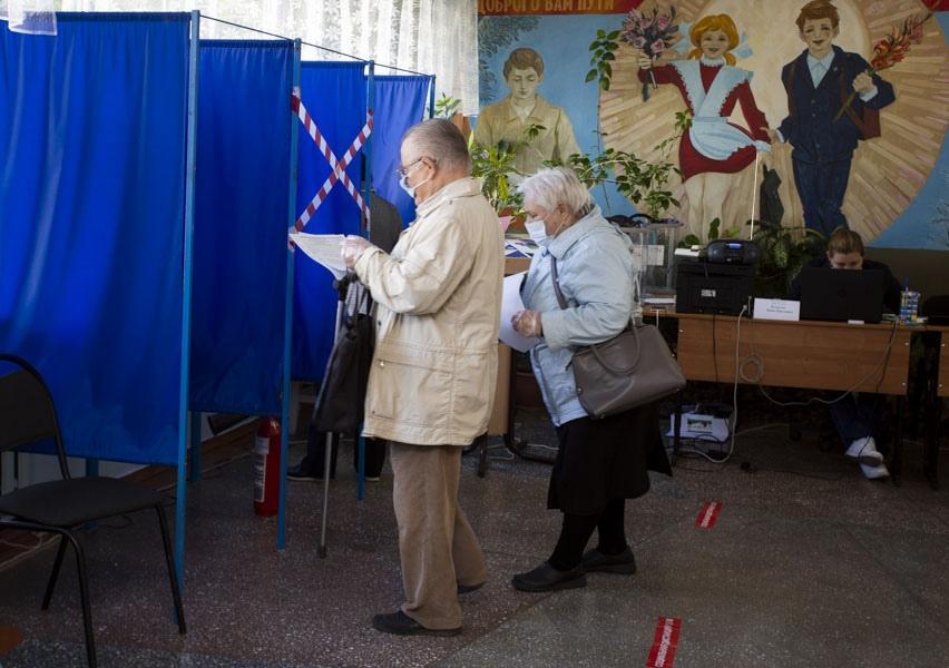 фото Поставили галочку: новосибирцы голосуют на выборах депутатов горсовета и заксобрания 5