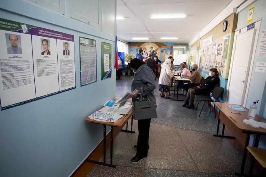 фото Поставили галочку: новосибирцы голосуют на выборах депутатов горсовета и заксобрания 8