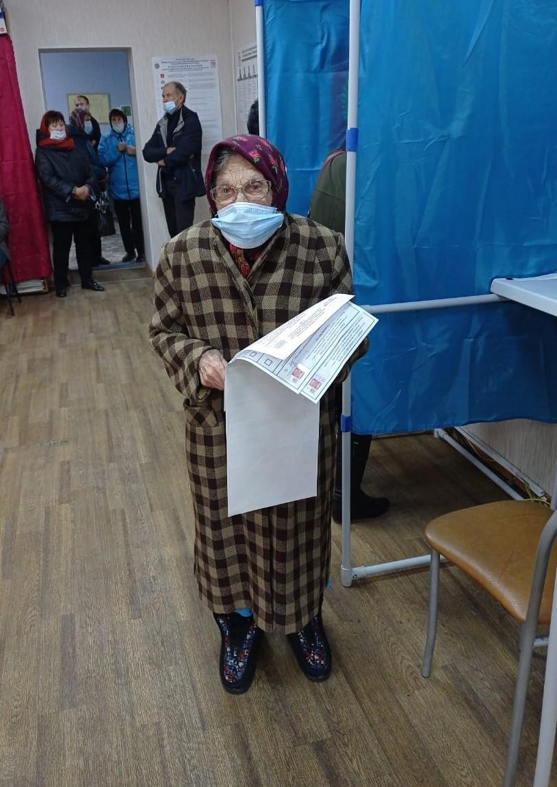 Фото Выборы в Новосибирске: онлайн дня голосования за депутатов Госдумы 19 сентября 2021 года 27