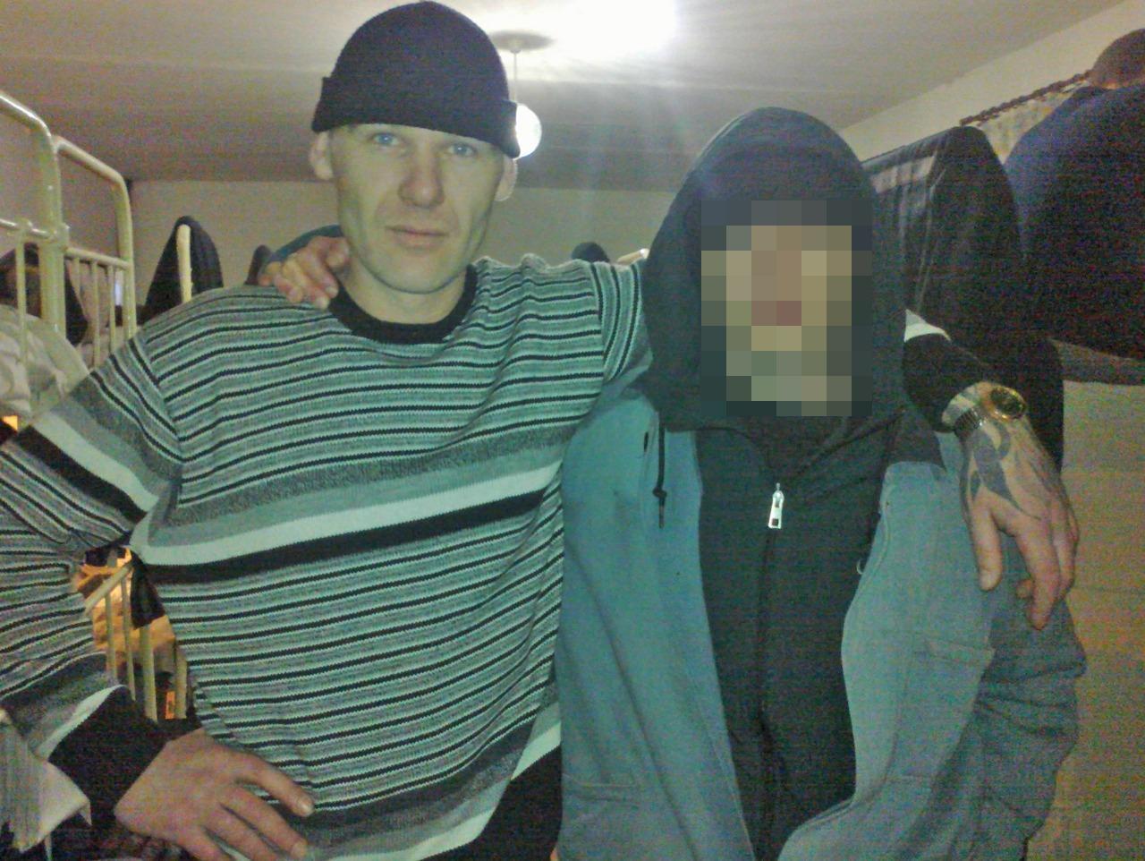 Фото Кузбасский маньяк дядя Витя: как подозреваемый в убийстве двух школьниц в Киселёвске пугал обидчиков криминальными авторитетами и отбывал срок за педофилию 3