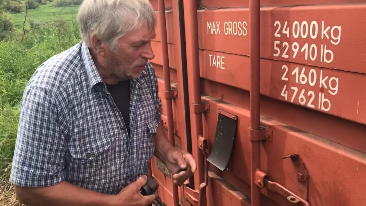 Фото Человек-тундра: 77-летний пенсионер из Томска отправился в дикую глушь, чтобы сжечь охотничью базу погибшего сына 5