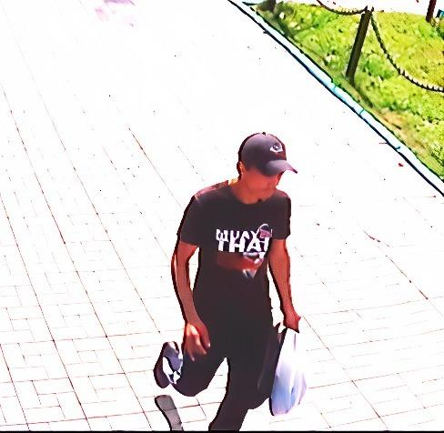 Фото В Новосибирске грабитель напал на 13-летнего школьника из-за телефона 2