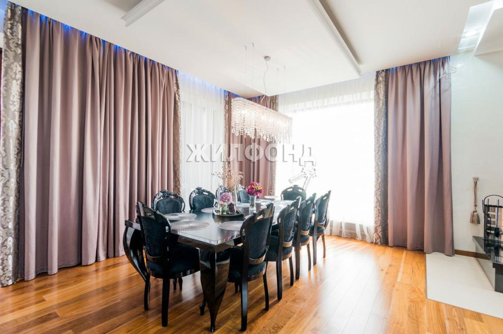 Фото Двухэтажный коттедж в Заельцовском районе Новосибирска выставили на продажу за 40 млн рублей 3