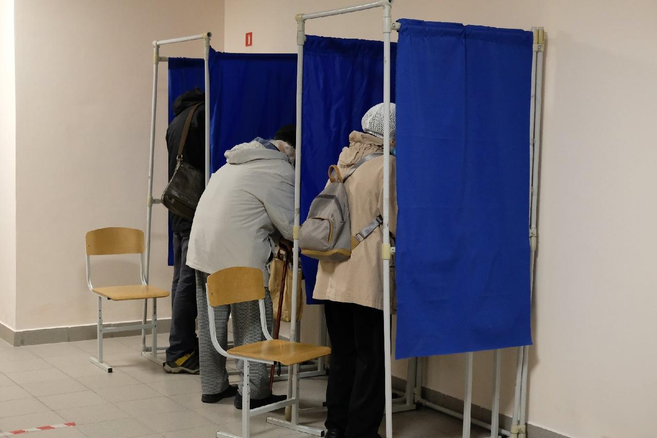 Фото Выборы в Новосибирске: онлайн дня голосования за депутатов Госдумы 19 сентября 2021 года 61