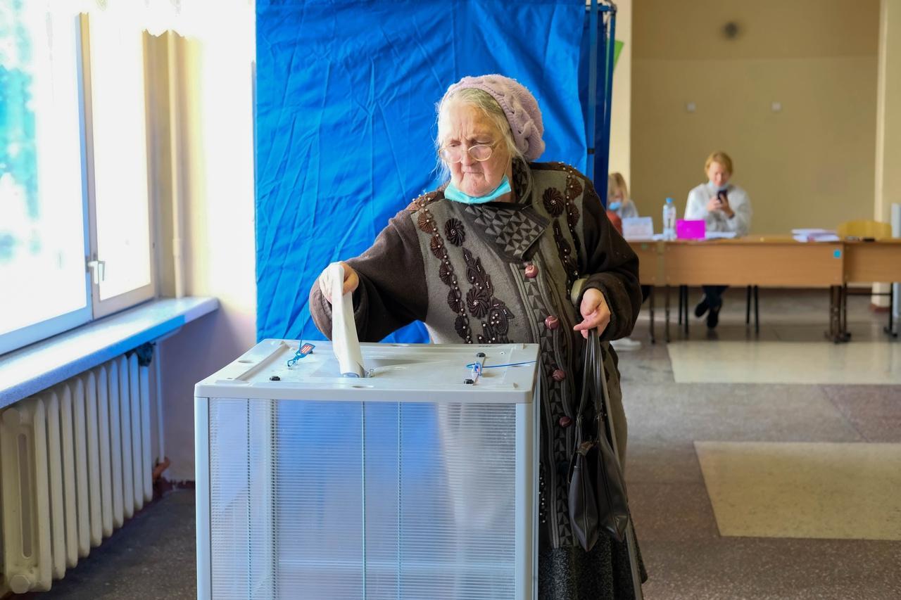 Фото Выборы в Новосибирске: онлайн дня голосования за депутатов Госдумы 19 сентября 2021 года 77