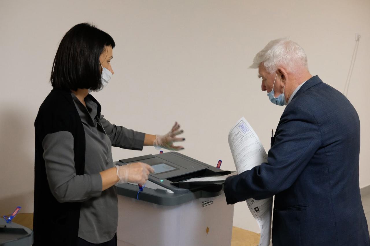 Фото Выборы в Новосибирске: онлайн дня голосования за депутатов Госдумы 19 сентября 2021 года 50