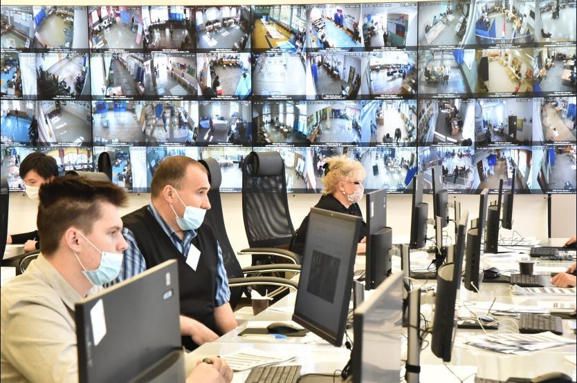 Фото Выборы в Новосибирске: онлайн дня голосования за депутатов Госдумы 19 сентября 2021 года 79