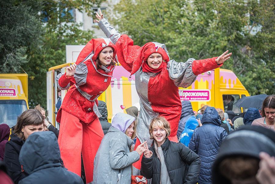 Фото «От дворового спорта к олимпийским медалям»: в Ленинском районе Новосибирска открыли новую спортивную площадку 3