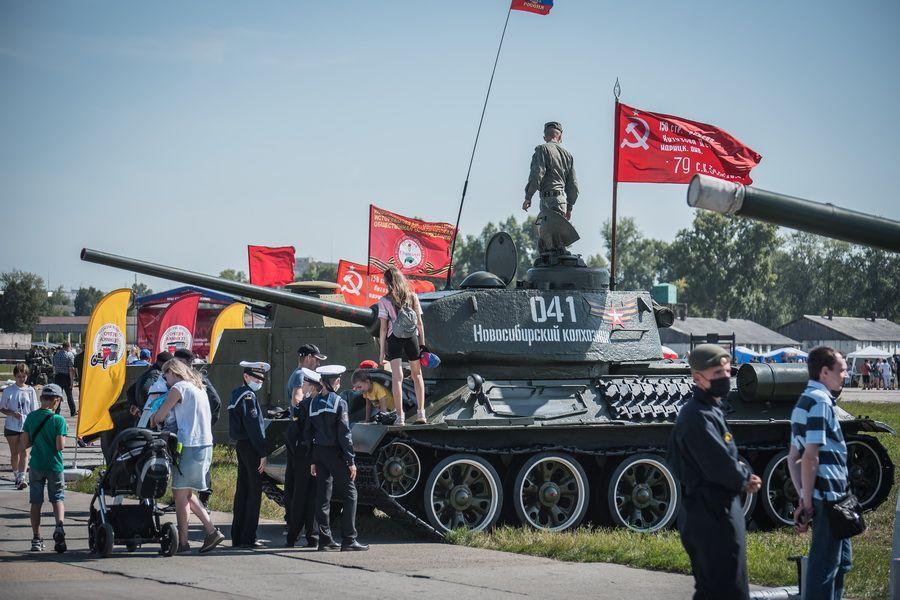 Фото «На поле танки грохотали»: самые душевные песни на День танкиста – 2021 4