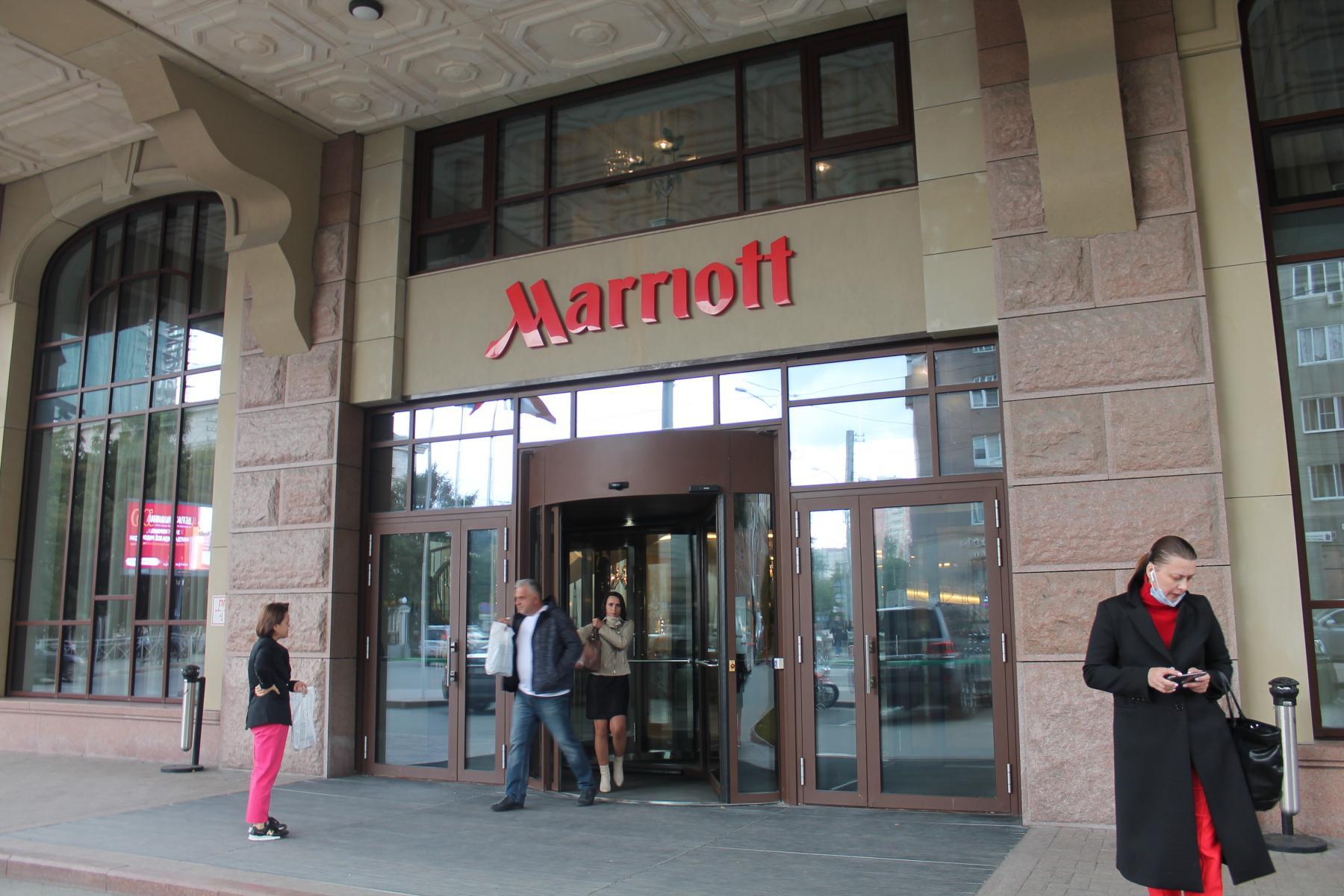 Фото Таинственное убийство в Marriott: новосибирского скульптора Игоря Самарина нашли с перерезанным горлом в отеле 6