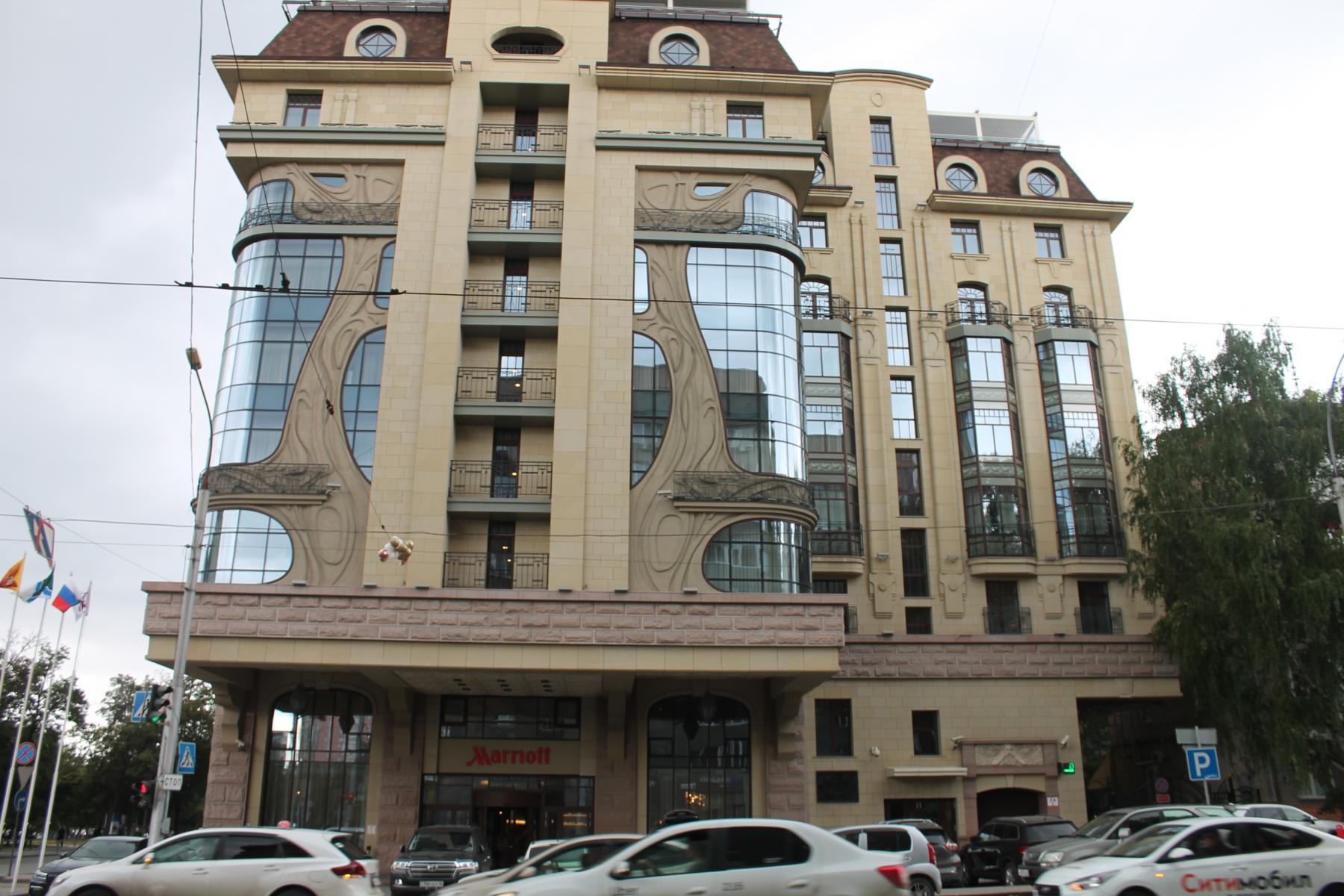 Фото Таинственное убийство в Marriott: новосибирского скульптора Игоря Самарина нашли с перерезанным горлом в отеле 2