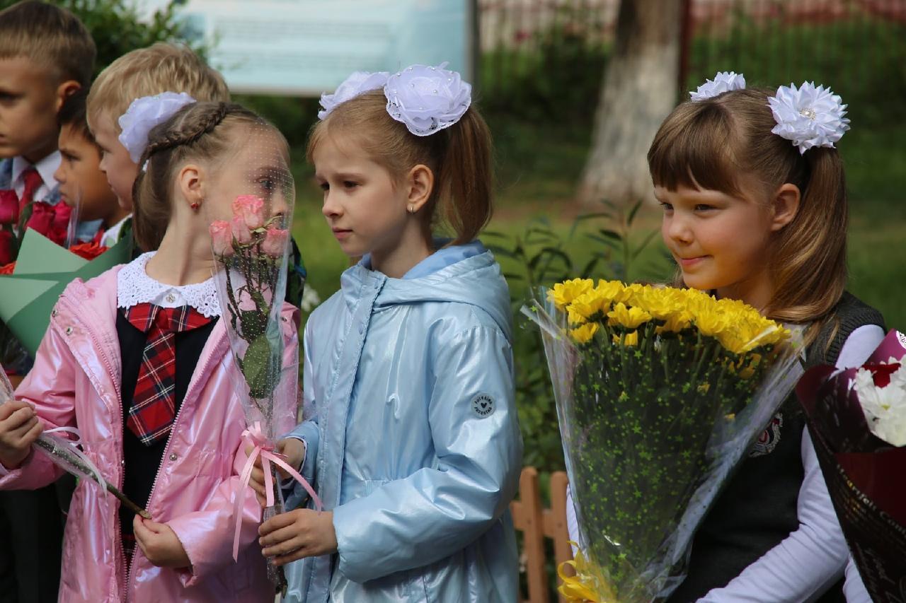 Фото Торжественные линейки в честь 1 Сентября начались в Новосибирске 7