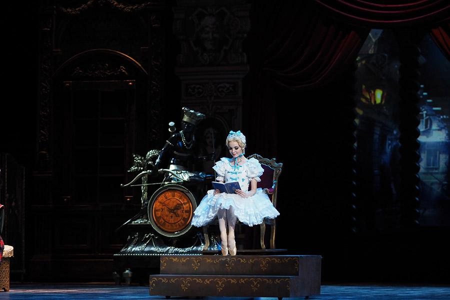Фото Балетная классика на сцене НОВАТа 2