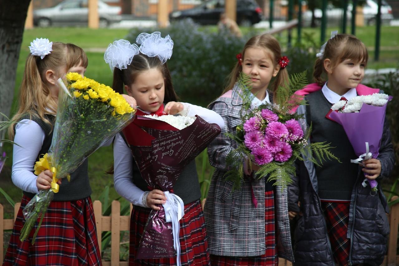 Фото Торжественные линейки в честь 1 Сентября начались в Новосибирске 8
