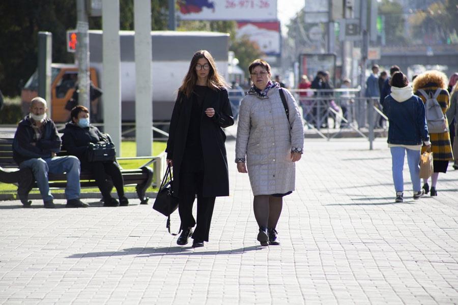 Фото Город слабого пола: женщин в Новосибирске оказалось на 200 тысяч больше, чем мужчин 3