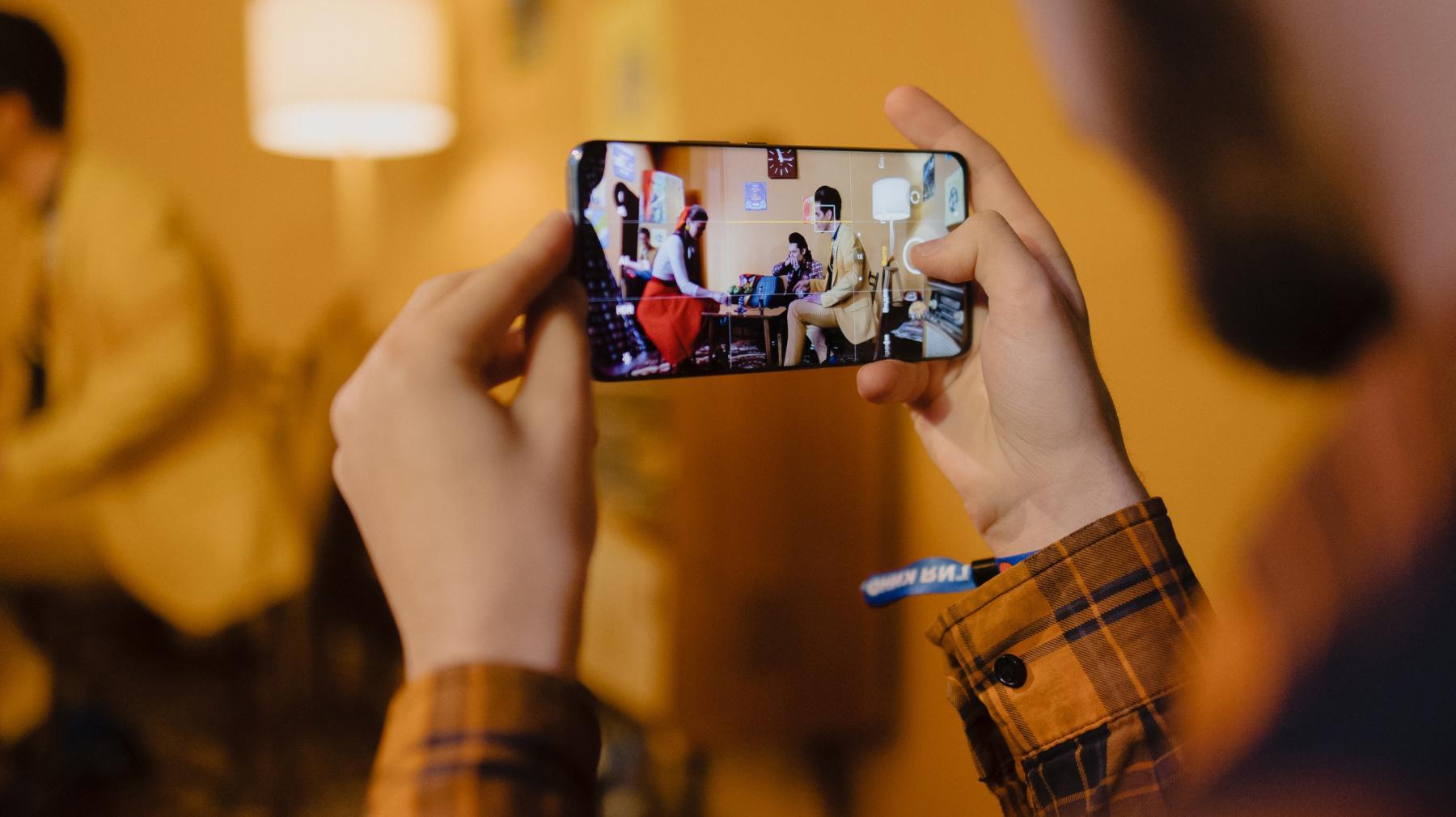 Фото «Кураж-Бамбей» озвучит презентацию смартфонов Xiaomi – 2021: во сколько смотреть 15 сентября  в хорошем качестве 2