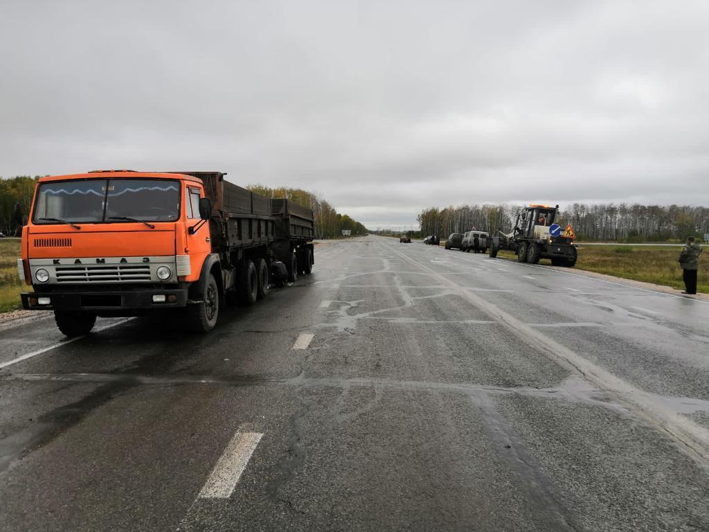 Фото Пенсионер на «Оке» погиб после столкновения с «Камазом» под Новосибирском 2
