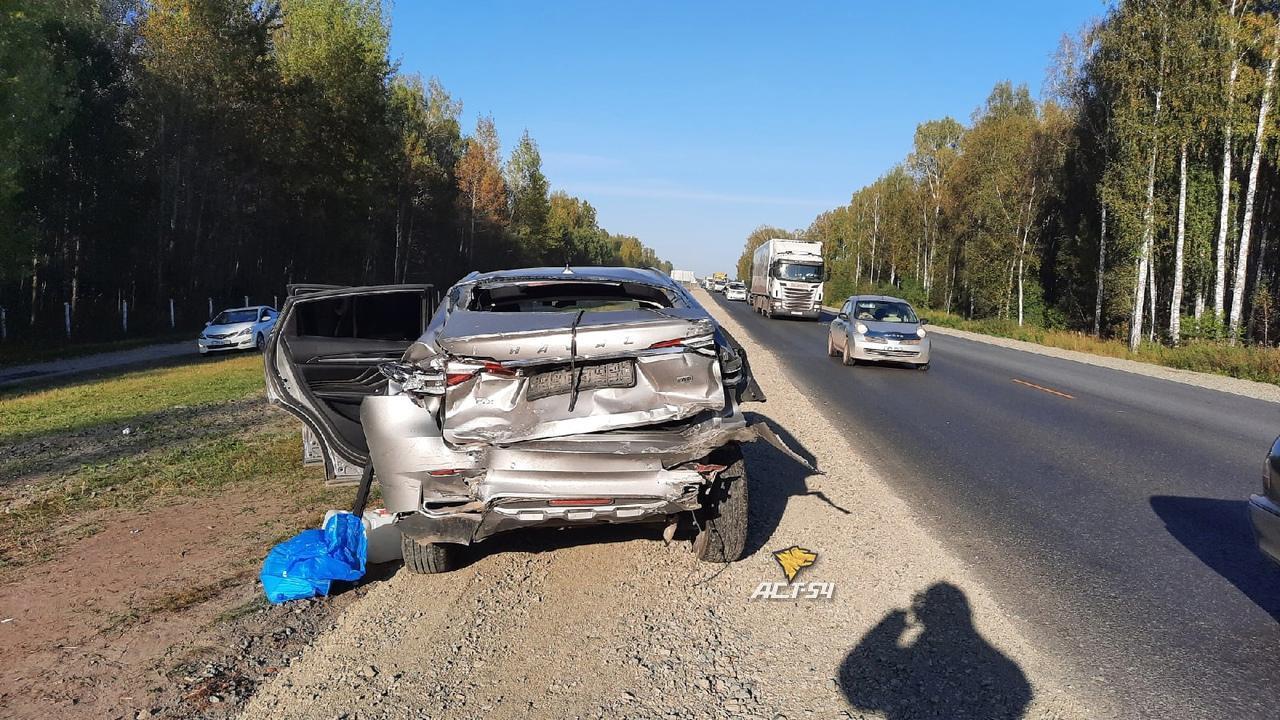 Фото 46-летний водитель «Жигулей» погиб после столкновения с грузовиком на Северном объезде под Новосибирском 2