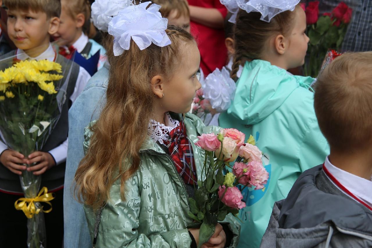 Фото Торжественные линейки в честь 1 Сентября начались в Новосибирске 10