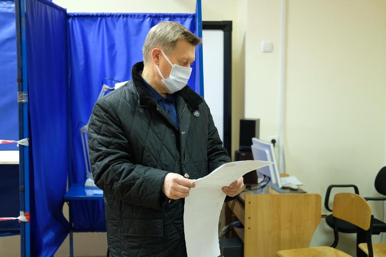 Фото Выборы в Госдуму РФ – 2021 в Новосибирске – лучшие фото 6