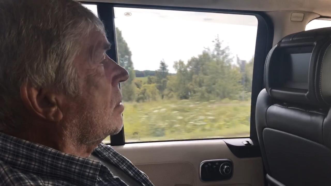 Фото Человек-тундра: 77-летний пенсионер из Томска отправился в дикую глушь, чтобы сжечь охотничью базу погибшего сына 12