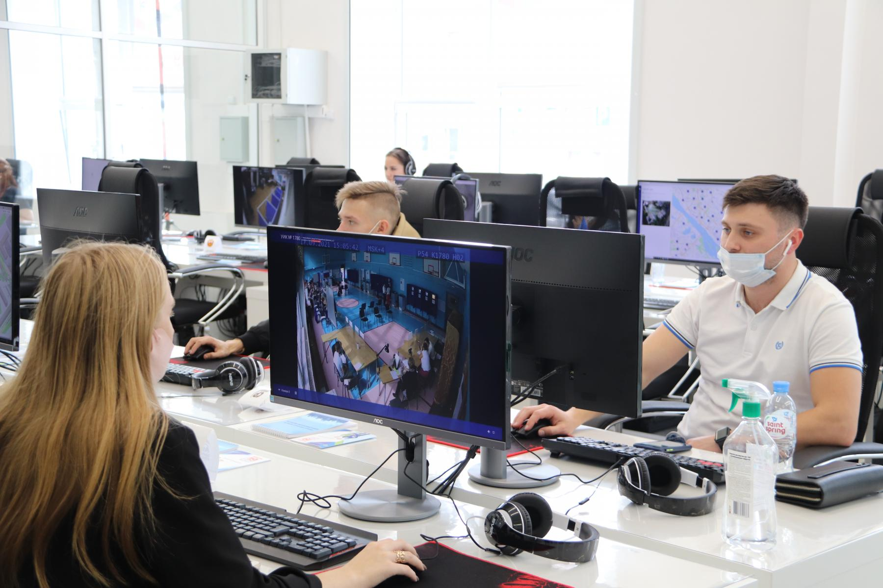 Фото Выборы в Новосибирске: онлайн дня голосования за депутатов Госдумы 19 сентября 2021 года 57