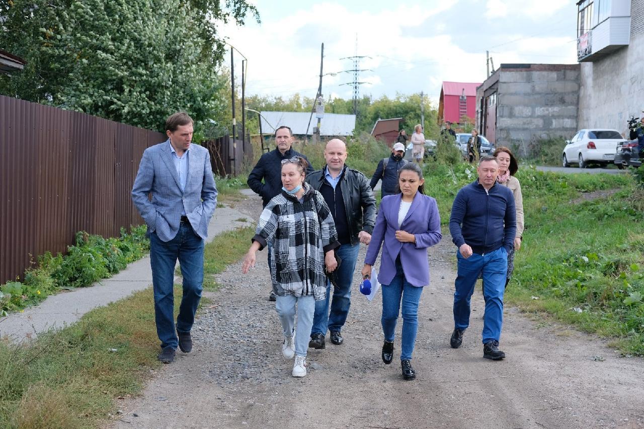 Фото Депутаты проинспектировали ремонт самых проблемных дорог в Кировском районе 7