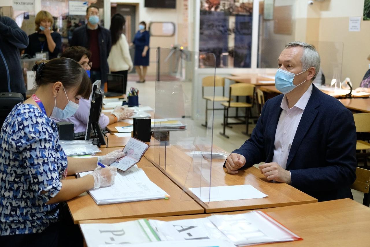 Фото Выборы в Новосибирске: онлайн дня голосования за депутатов Госдумы 19 сентября 2021 года 81