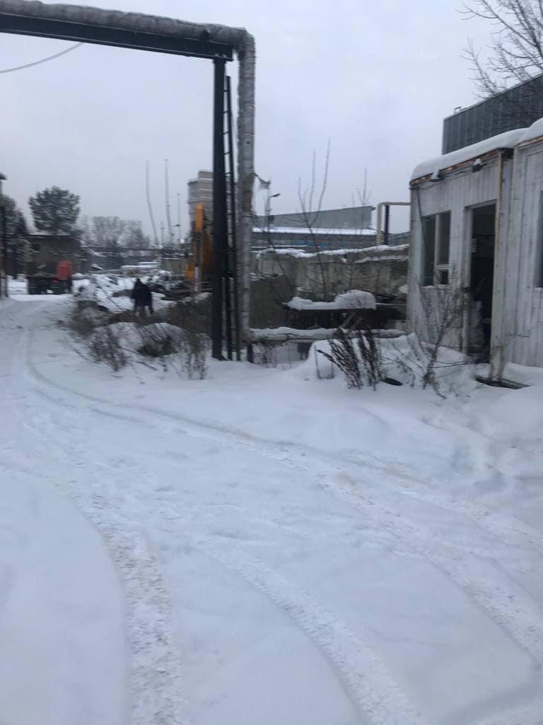 Фото «Мы живём как при блокаде Ленинграда»: новосибирский бизнесмен пожаловался на застройщика нового ЖК, который перекрыл единственный проезд к его предприятию 2