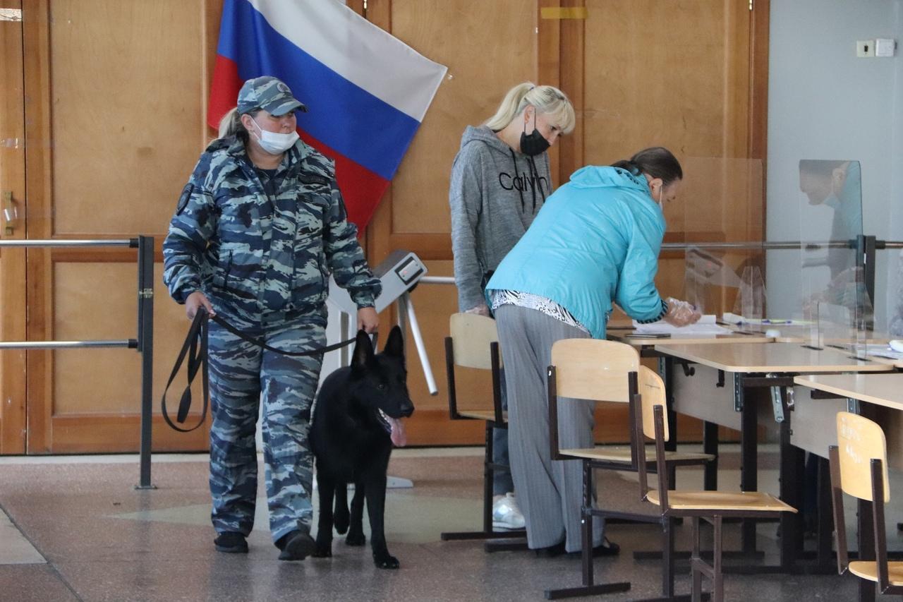 Фото Выборы в Новосибирске: онлайн дня голосования за депутатов Госдумы 19 сентября 2021 года 67