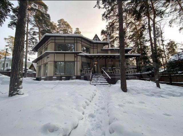 Фото Дорого-богато: пять самых роскошных особняков в Новосибирске стоимостью более 40 млн рублей 10