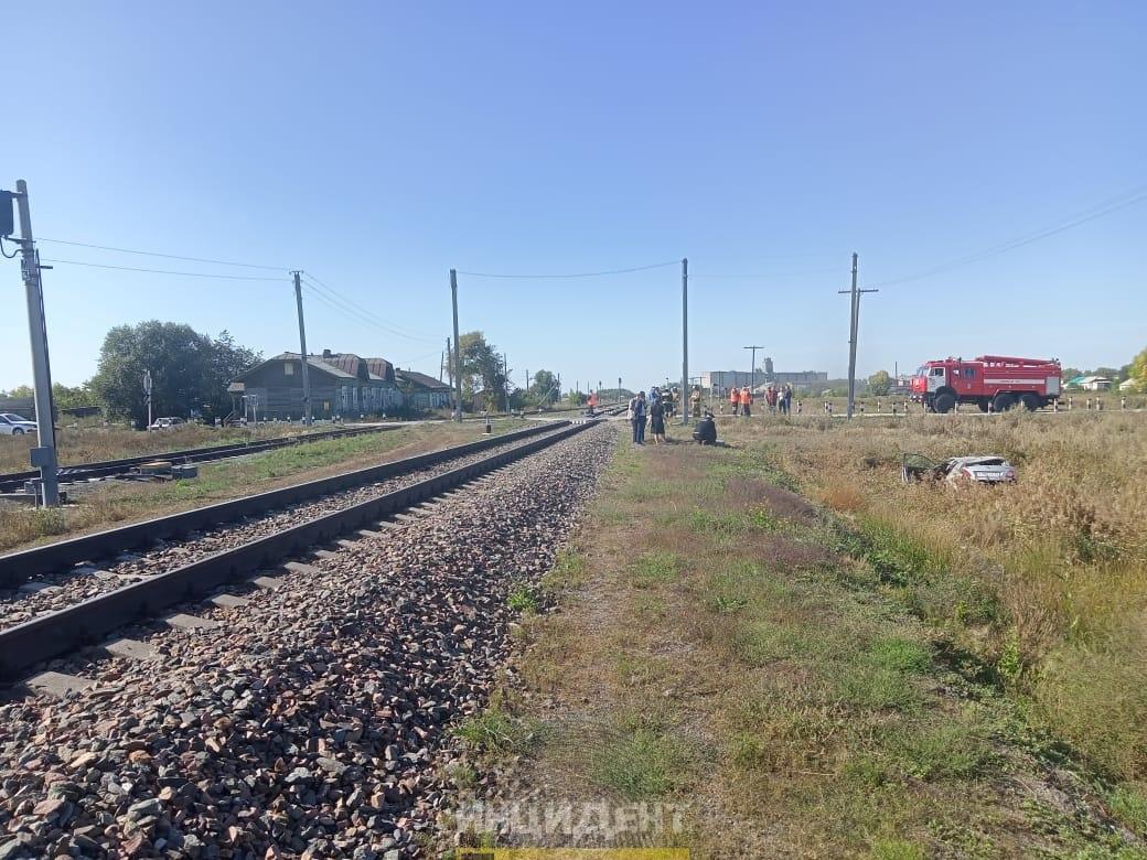 Фото Водитель Toyota Corolla погиб в ДТП с поездом под Новосибирском 2