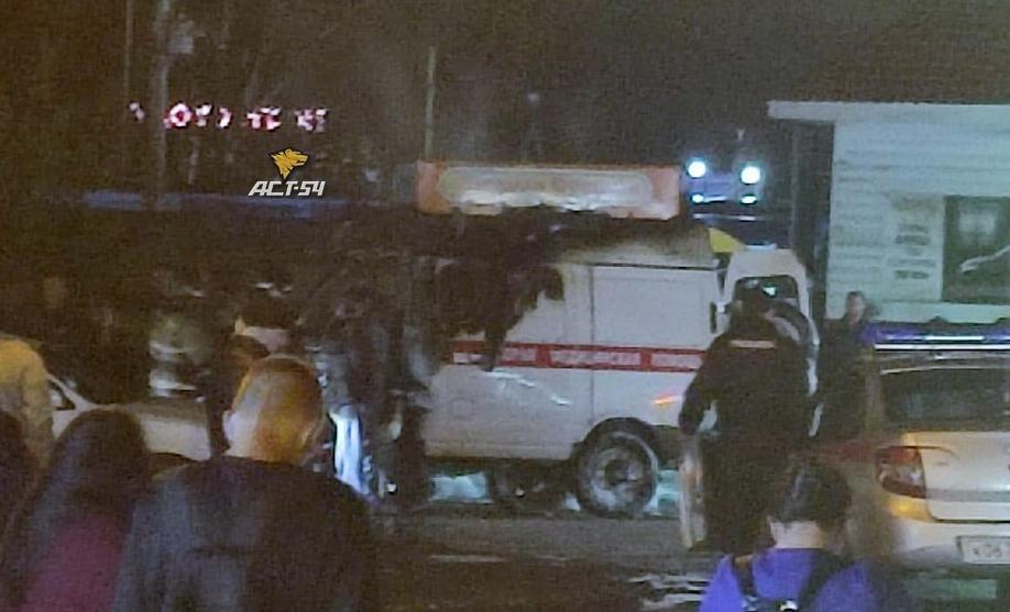 Фото Появилось фото сгоревшей машины скорой помощи в Новосибирске 2